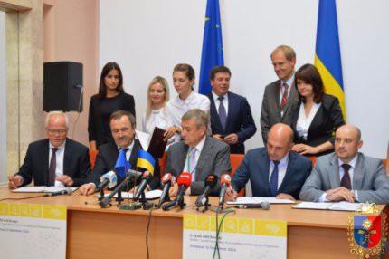 робоча поїздка у Вінницю Прем'єр-міністра України Володимира Гройсмана та Комісара Європейського Союзу